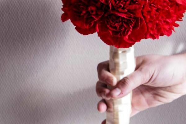 bukiet ślubny racibórz czerwony goździk