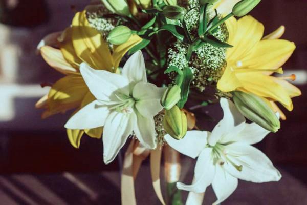 bukiet ślubny lilia