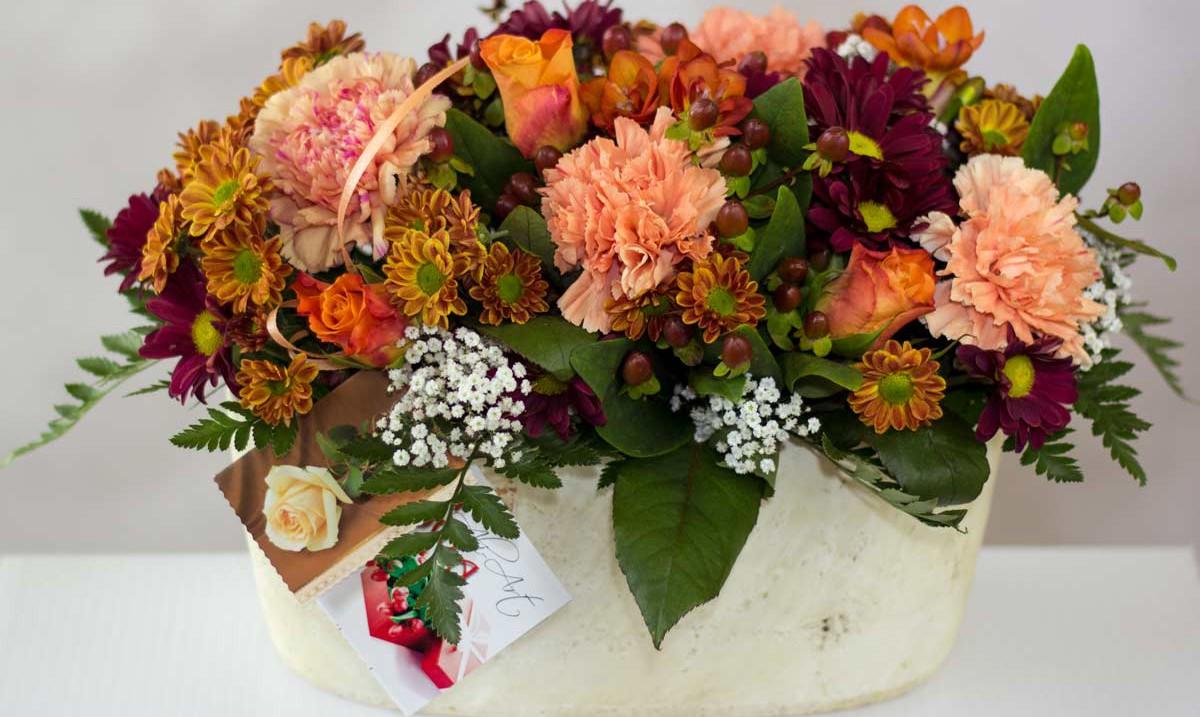 jesienna kompozycja w ceramicznej doniczce racibórz kwiaciarnia