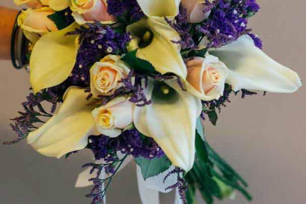nowoczesny bukiet ślubny krem fiolet