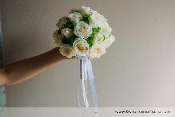 bukeit ślubny białe róże