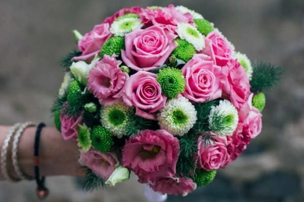 bukiet ślubny róż