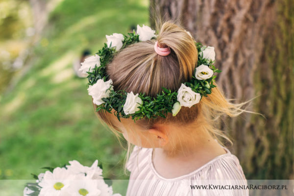 wianek-na-glowe-komunia-ruskus-kwiaciarnia-raciborz