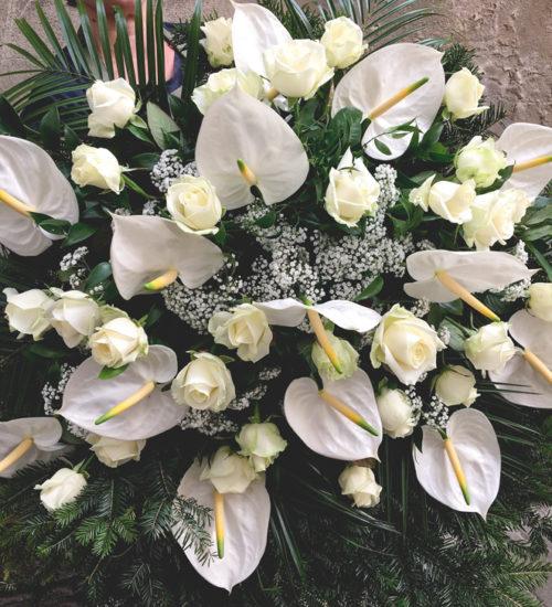 wieniec-pogrzebowy-biale-anthurium-kwiaciarnia-raciborz