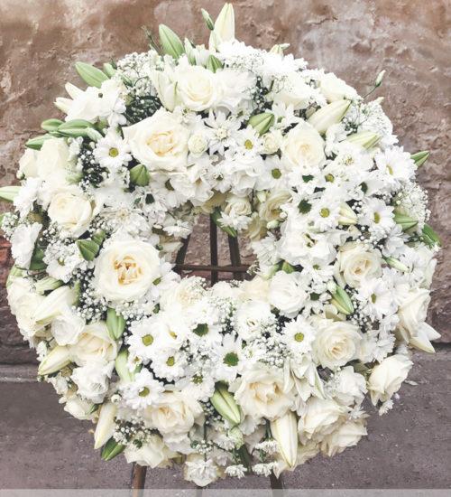 wieniec-ring-biale-kwiaty-kwiaciarnia-raciborz